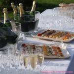 Cocktail apéritif du mariage : champagne et petits-fours
